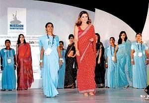 Scavenger women from Rajasthan participating in fashion show in New York