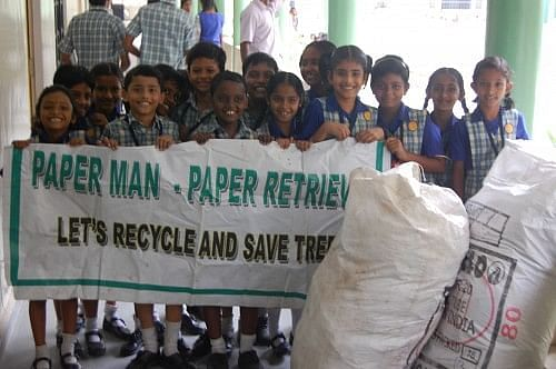 School students support Paper Man!