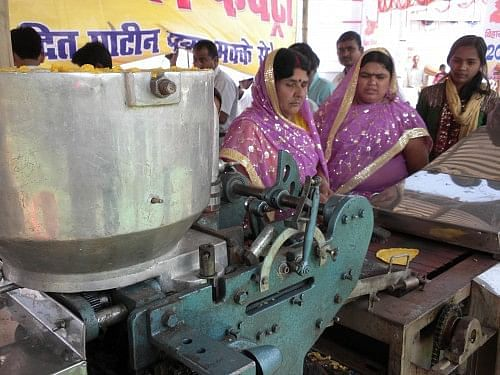 Women of the Anandapur Jyoti Centre, where Rajkumari Devi is Secretary, together make products like pickles and jams that are sold at the farmer's markets in Muzzaffarpur district.