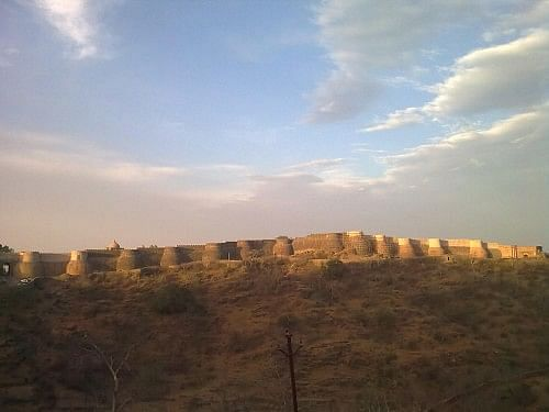 The first view of the great fort at Kumbhalgarh