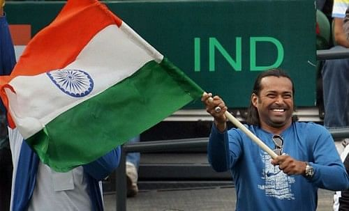 Leander with the tricolour