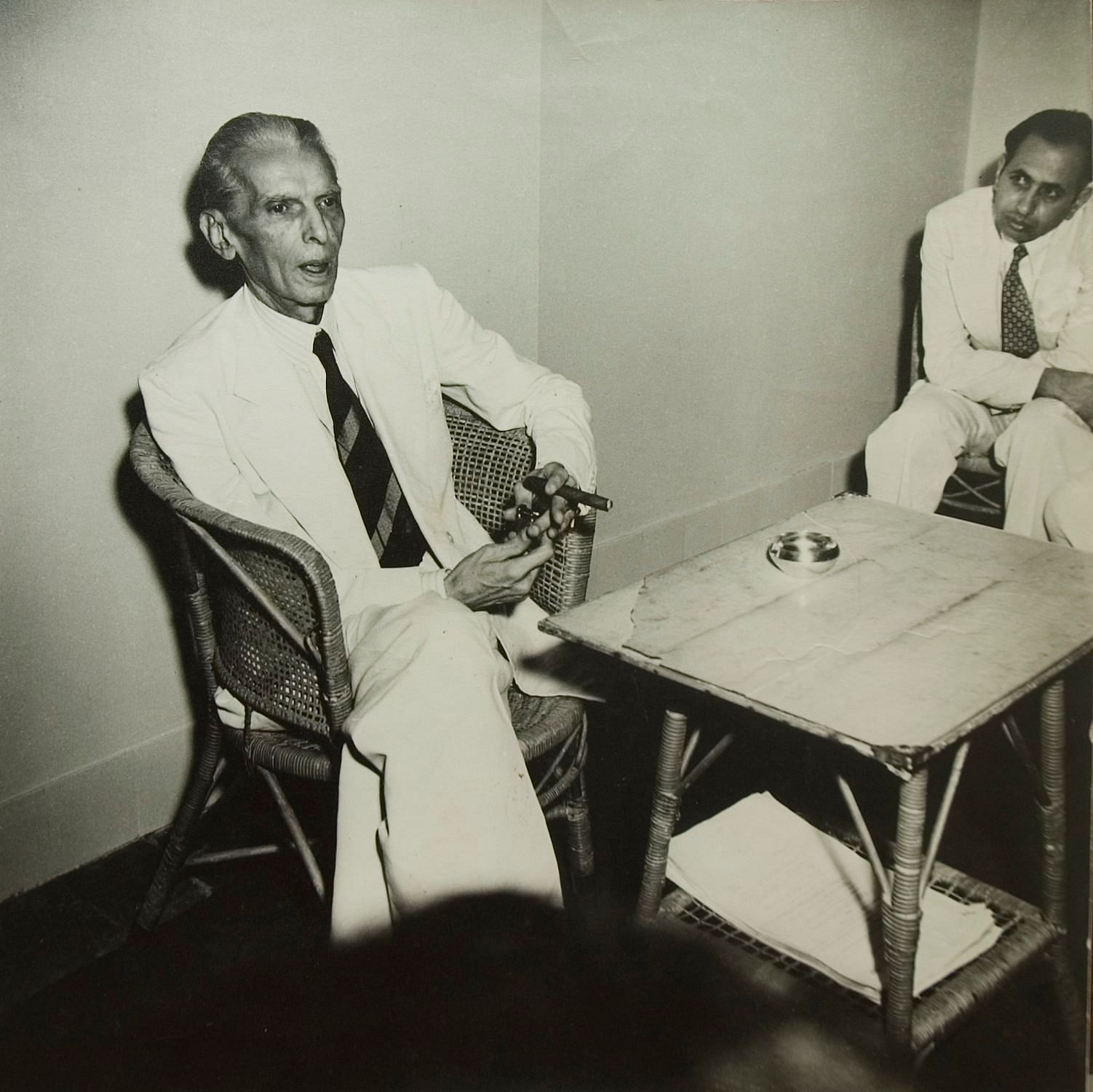 Mohammad Ali Jinnah at his last Press Conference before leaving for Pakistan; August 1947 Gelatin Silver Print From the exhibition: Candid: The Lens and Life of Homai Vyarawalla Collection: Alkazi Collection of Photography Image Courtesy: Rubin Museum of Art, New York )