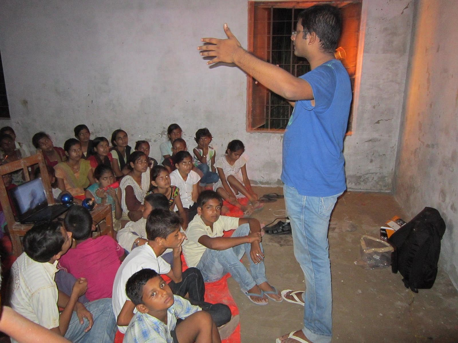 A night class in progress with more than 100 children from different villages - video from a volunteer based in Germany - Sept 07th, 2013