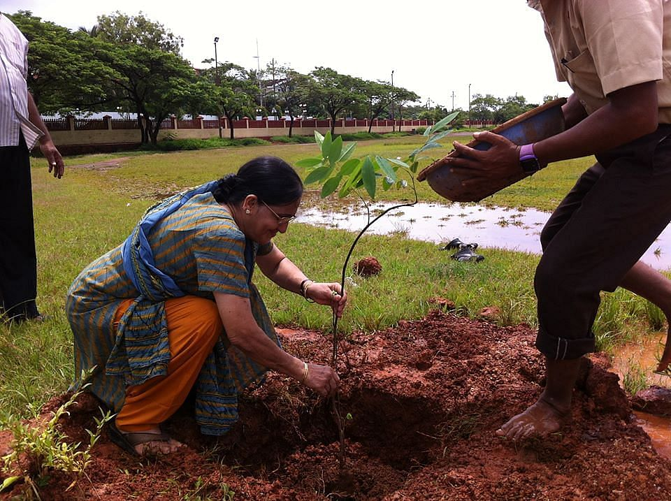 Alka also started a tree plantation drive in a nearby ground.