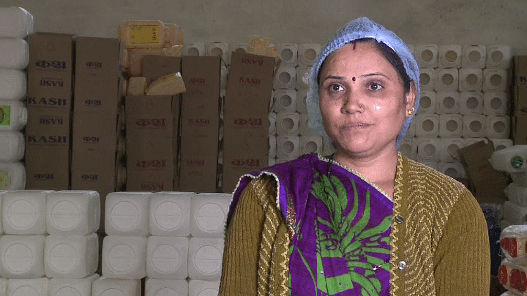 Asha Soni, who works in the soyabean oil packaging unit of Keshav Industries, firmly believes in the merits of fortified oil and feels that it is truly an inexpensive solution to her family's health problems.