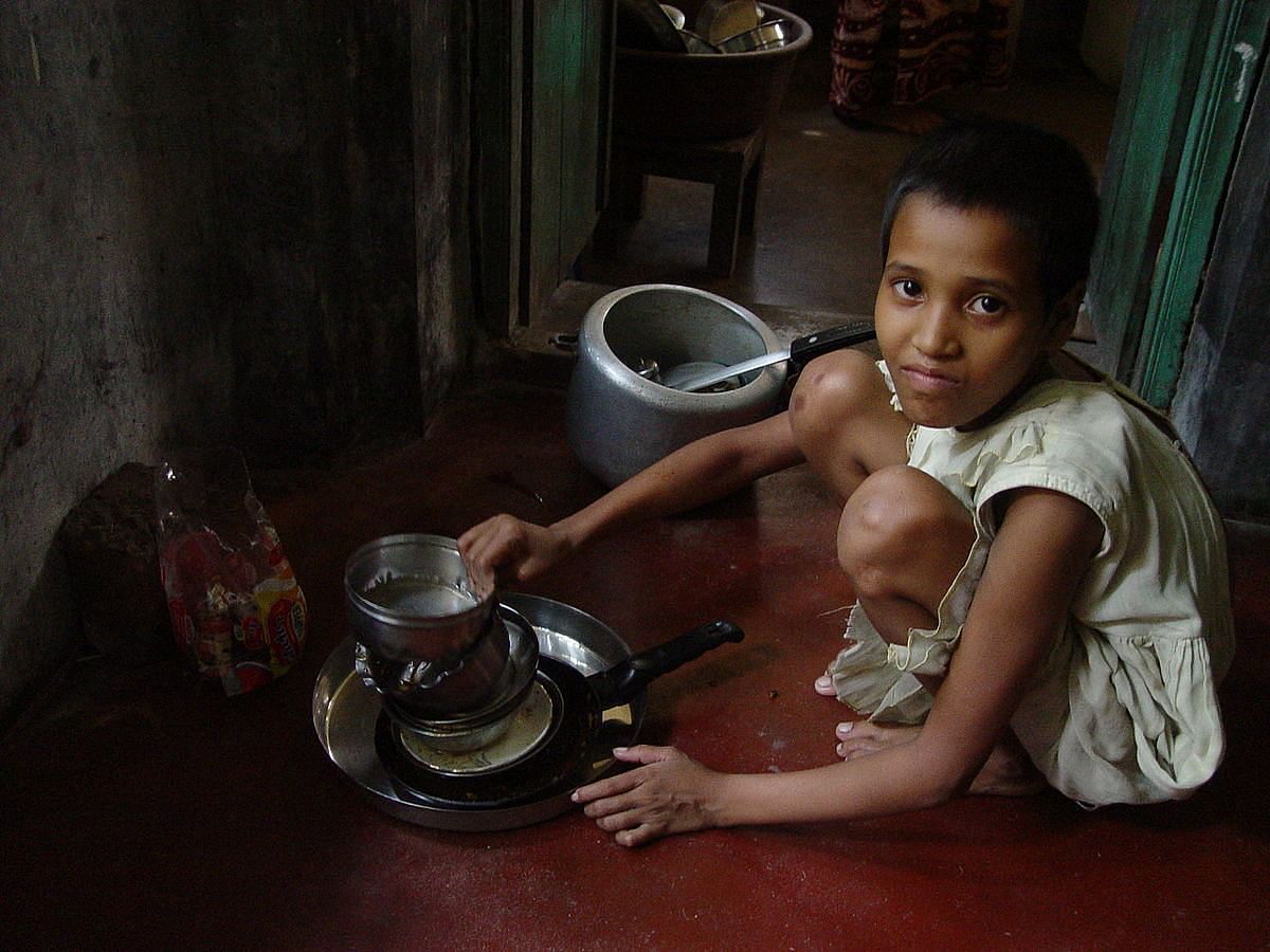 """""""Child Maid Servant"""" by Biswarup Ganguly - Own work. Licensed under CC BY-SA 3.0 via Wikimedia Commons - http://commons.wikimedia.org/wiki/"""