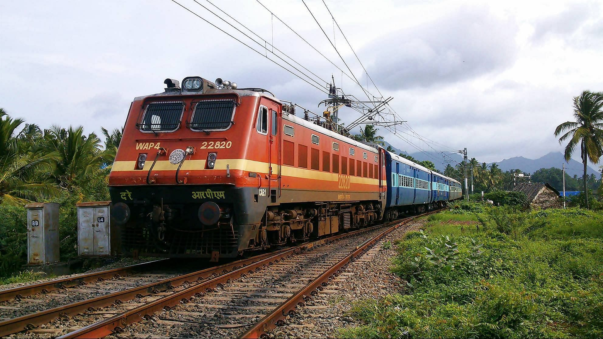WAP-4_Class_locomotive_of_Indian_Railways