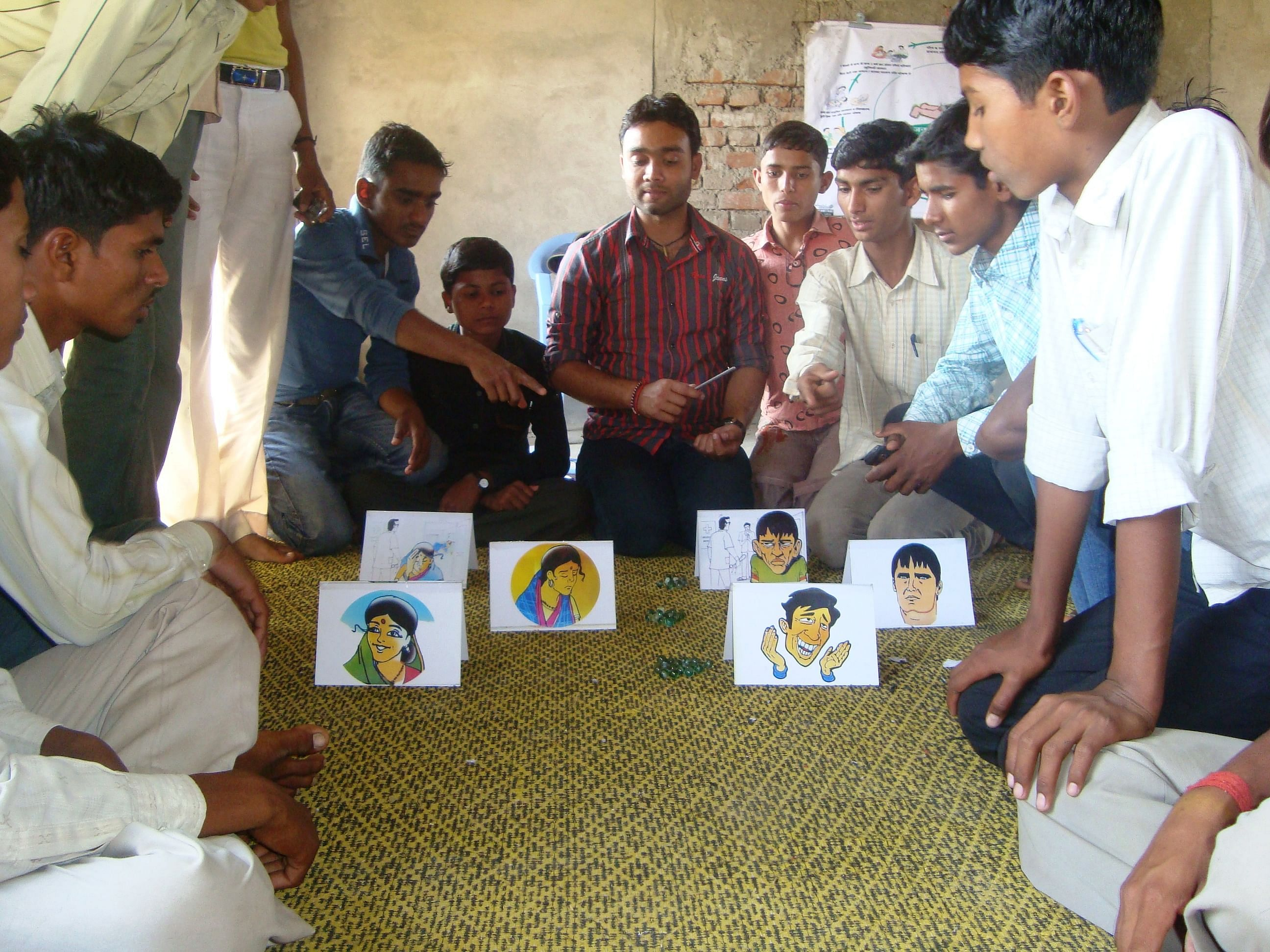 Pathfinder's PRACHAR programme conducts three-day trainings at the village level for adolescent boys and young couples to increase their knowledge and understanding of reproductive health  issues. (Courtesy: Pathfinder International)