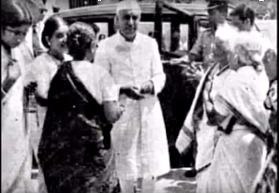 Dr Muthulakshmi (second from right) welcomes Pt. Jawaharlal Nehru to lay the foundation stone of the Cancer Institute