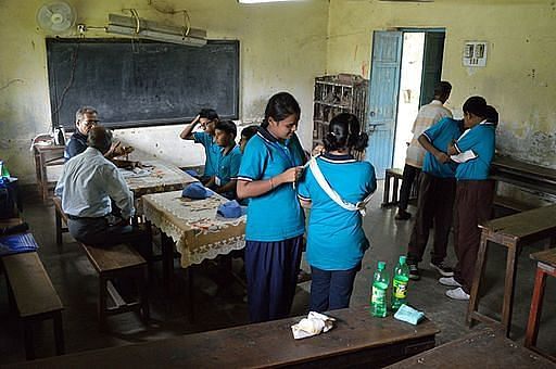 First_Aid_and_Emergency_Management_Session_-_Summer_Camp_-_Nisana_Foundation_-_Sibpur_BE_College_Model_High_School_-_Howrah_2013-06-08_9304